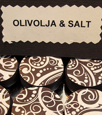 Olive oil & Salt praline