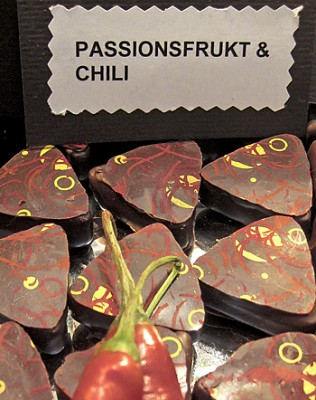 Passion fruit & chili praline