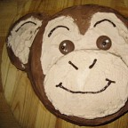 Monkey cake and giraffe cookies